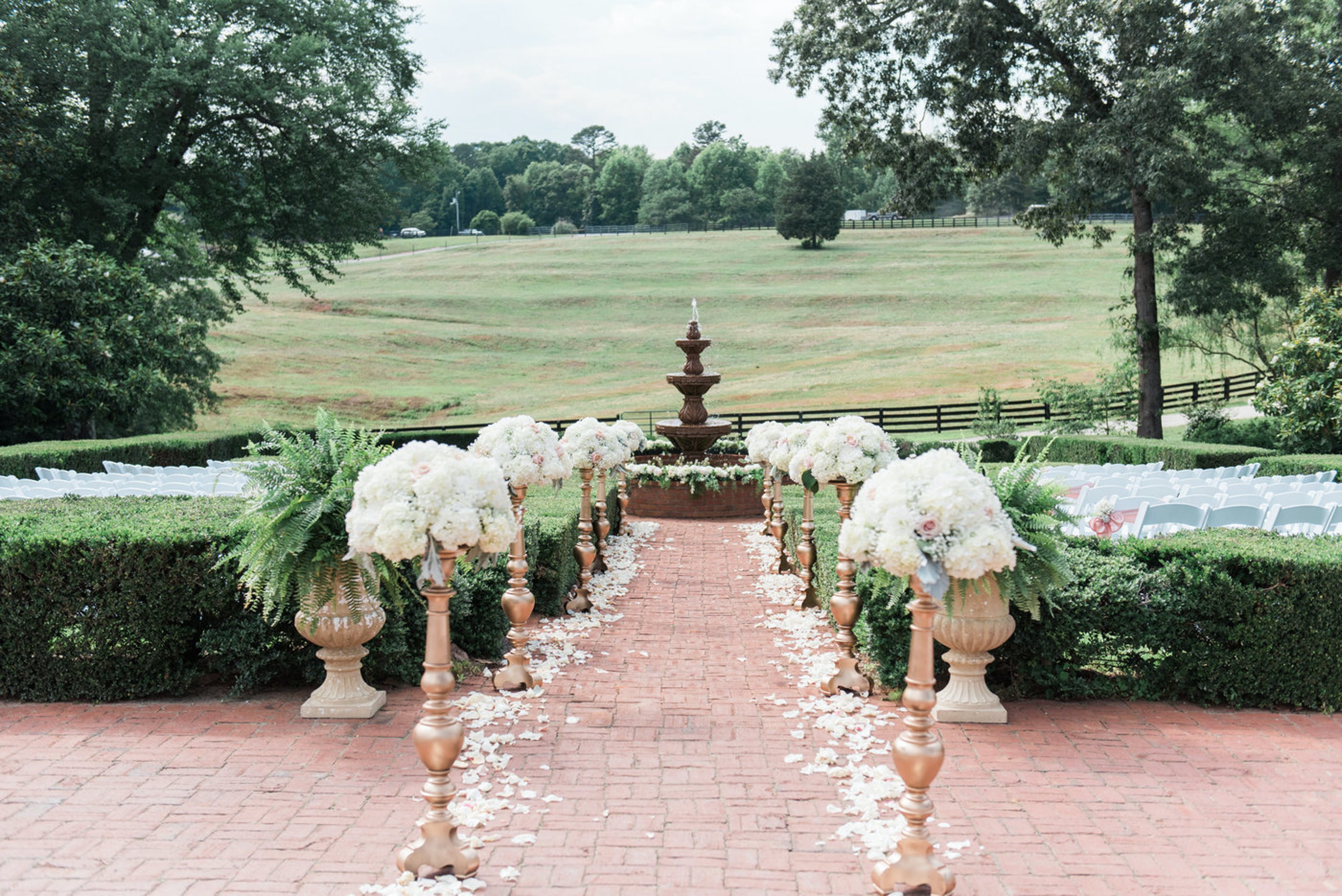 A Classic Southern Wedding At Sanctuary Estate
